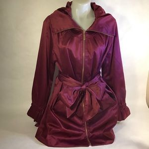 Women's silky  plum coat size large bows belt zip